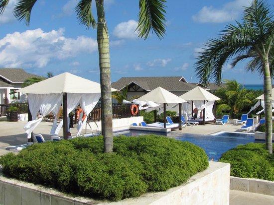Royalton Cayo Santa Maria : Pool Area
