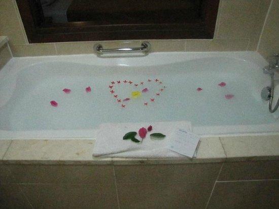 Royalton Cayo Santa Maria : Bath our Butler did for us!