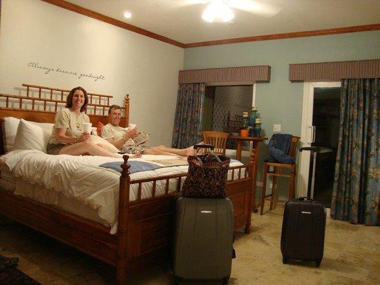 Tamarind Reef Resort, Spa & Marina: Lovely upgraded room, #114!