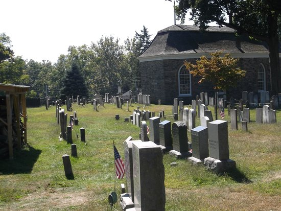 Sleepy Hollow Cemetery: Out front