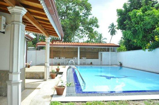 Ekala Retreat: Pool