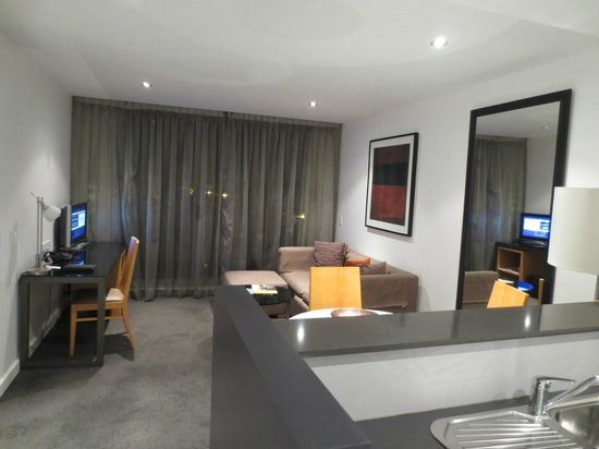 Adina Apartment Hotel Wollongong: Sitting room area