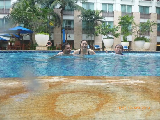 Novotel Jakarta Mangga Dua Square: Don't want to get out from water...