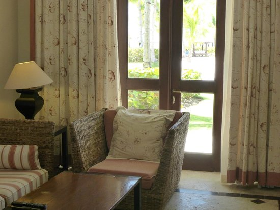 Sanctuary Cap Cana by AlSol: living room in 1st room