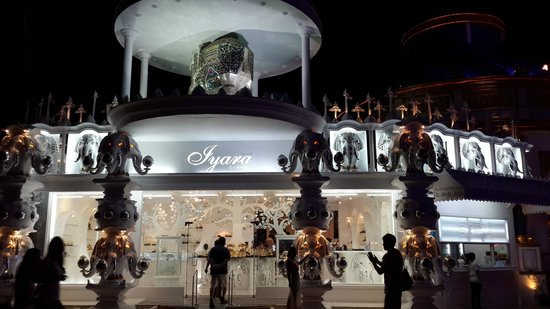 Phuket FantaSea: The luxury shop