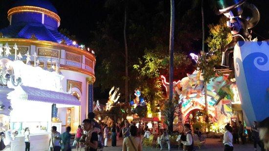 Phuket FantaSea: Park view