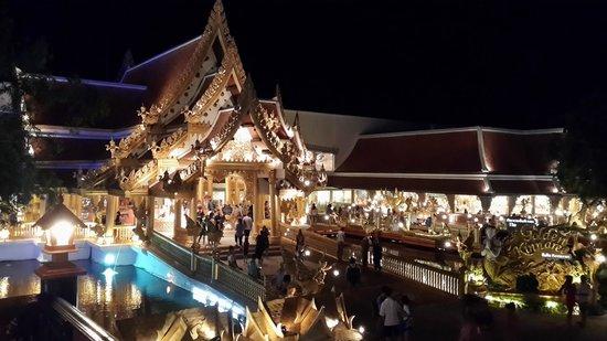 Phuket FantaSea: The buffet restaurant