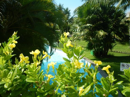 The Grand Mayan Nuevo Vallarta: lazy river-pool area