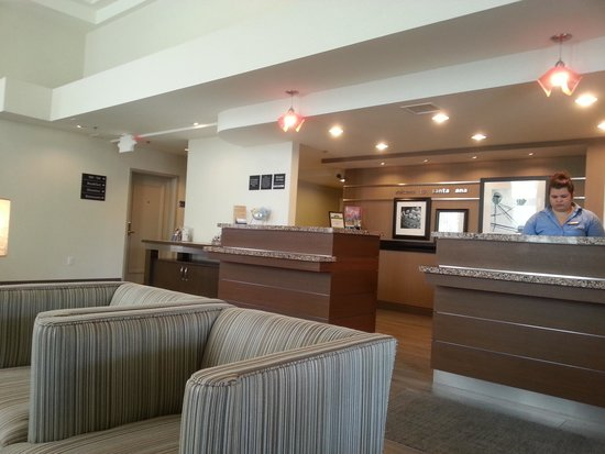 Hampton Inn & Suites Santa Ana/Orange County Airport: lobby