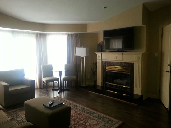 Delta Hotels Grand Okanagan Resort : Loves our room!