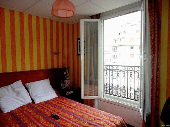 Splendid Hotel: the room