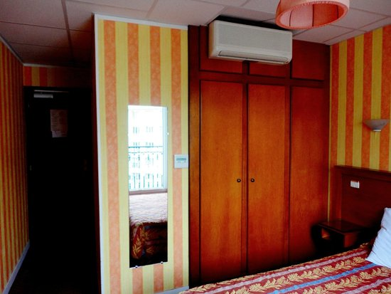 Splendid Hotel : the room