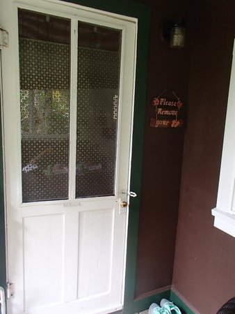 Windward Garden B&B: Front Door to the Studio