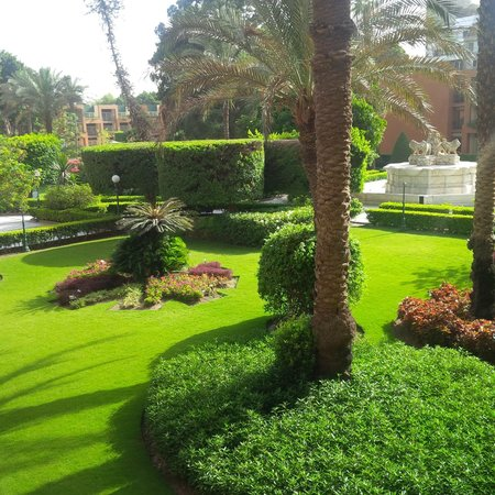 Cairo Marriott Hotel & Omar Khayyam Casino : Gardens