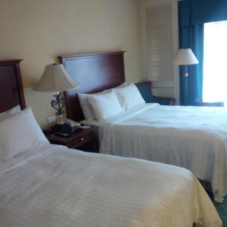 Cairo Marriott Hotel & Omar Khayyam Casino : Bedroom