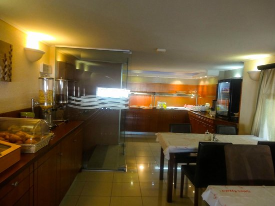 Comfort Hotel: Завтрак