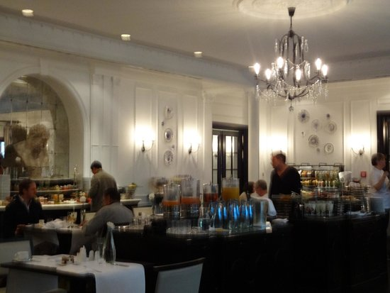 Hotel Bristol, a Luxury Collection Hotel, Warsaw: Elaborate and delicious breakfast