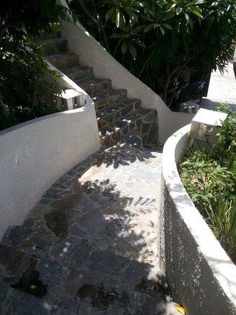 Mui Ne Hills Villa Hotel : Stairs to the room - Mui Ne Hills 2