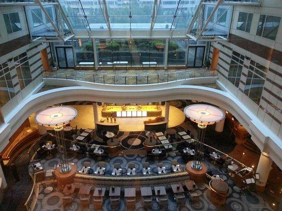 Hilton Paris Charles de Gaulle Airport : Atrium