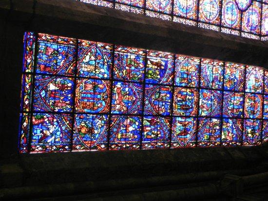 Tour de la Cathédrale de Chartres : vitraux