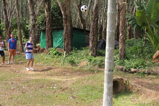 Football Crazy Golf - Phuket: delicate chip