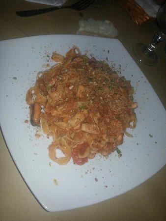 La Favarotta: Tagliatelle con tanto bion pesce