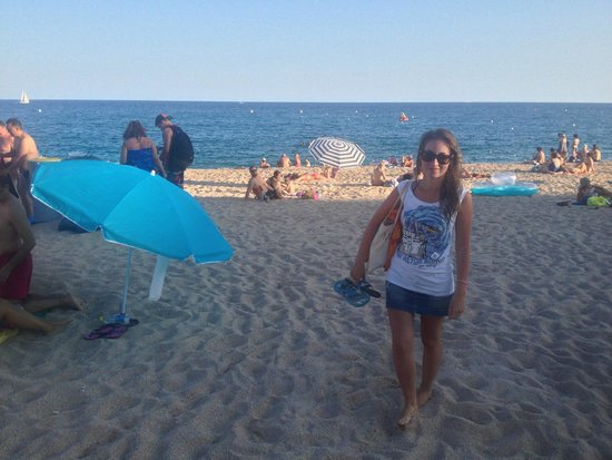 Fenals Beach : пляж перед закрытием