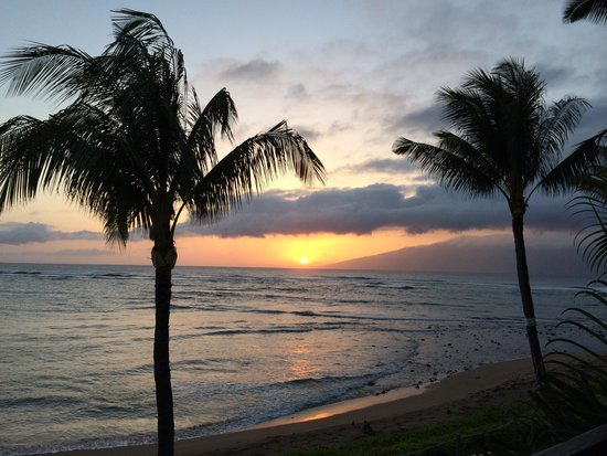 Kahana Village: Sunset view from unit 21 lanai