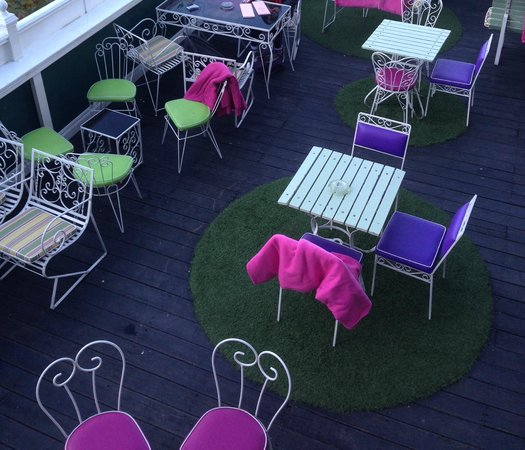 Madame Brussels: OUTDOOR AREA