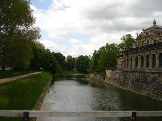 Zwinger: Entering the palace