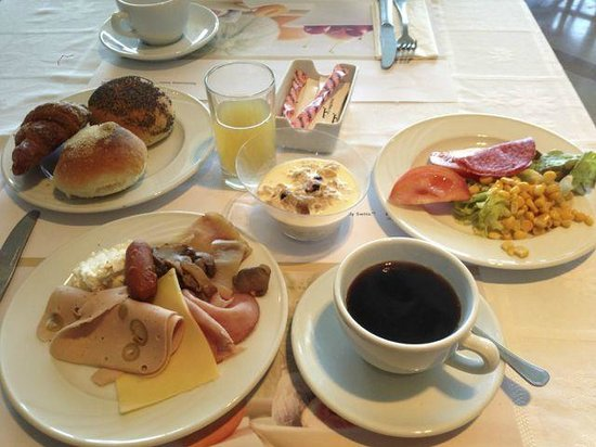 Movenpick Hotel & Casino Malabata Tanger: 朝食