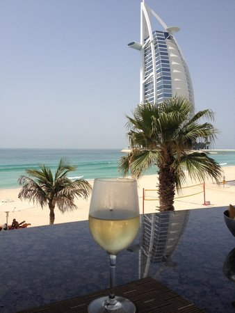Jumeirah Mina A'Salam: Luch view from the pool