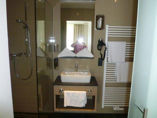 Hotel Merkur : Badezimmer