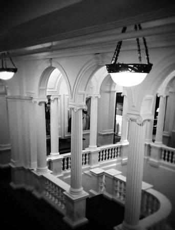 Hotel Granvia: Escaliers 1er étage