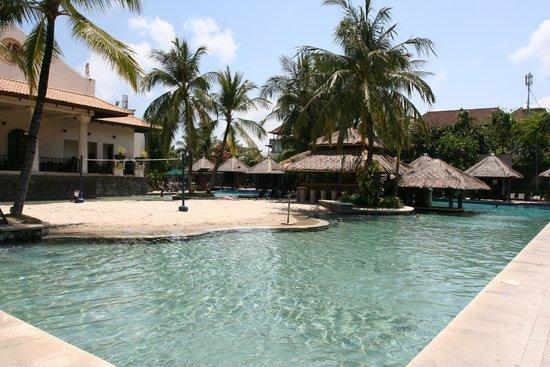 small sandy beach within the pool area picture of hard rock hotel rh tripadvisor co za