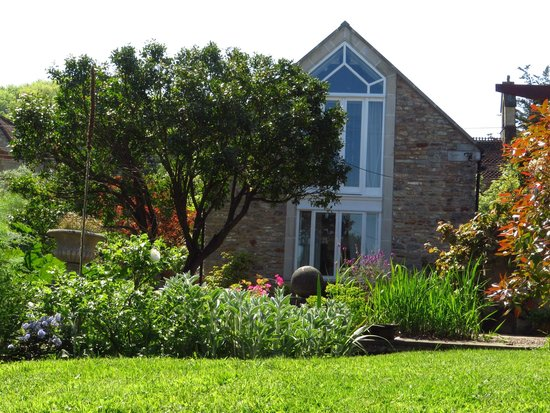 Dulcote, UK : The Coach House in lovely garden setting