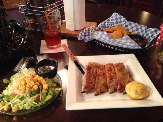 Palomino Room Texas BBQ: Low price, high flavor!