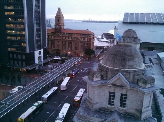 Mercure Auckland: view looking east towards port & ferry building