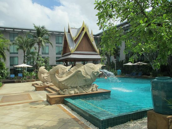 Novotel Bangkok Suvarnabhumi Airport: Swimming pool