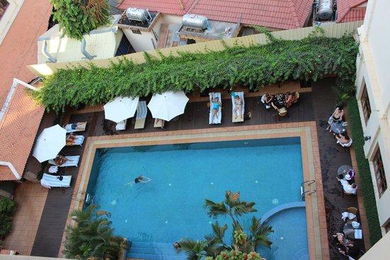 Steung Siemreap Hotel: Poolblick vom Zimmer