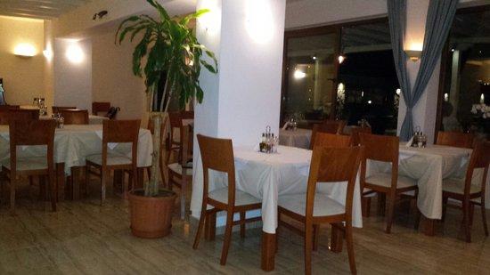 Aleka's Restaurant: Sala ristorante