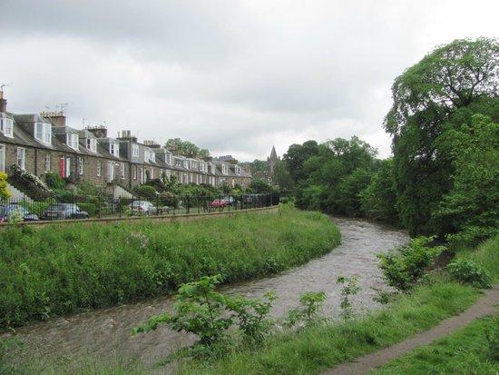 Water of Leith Walkway: Waters of Leith in the Stockbridge area