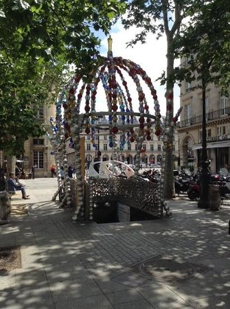 Photo of Monument / Landmark Metro Palais Royal at 1 Place Colette, Paris 75001, France