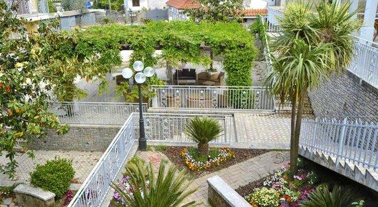 Pimonte, Italie : giardino