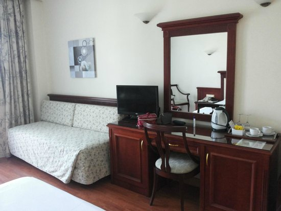 Atrium Palace Thalasso Spa Resort & Villas: Room