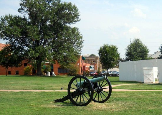 Fort Smith National Historic Site: Another cannon.