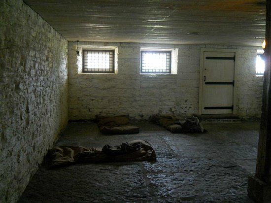 Fort Smith National Historic Site: A cell inside the visitor center.