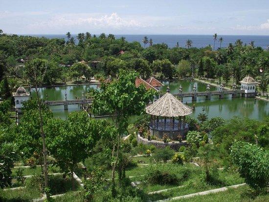 Le Palais d'eau de Soekasada Ujung : 1