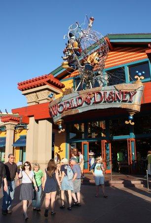 Disney Springs: World of Disney
