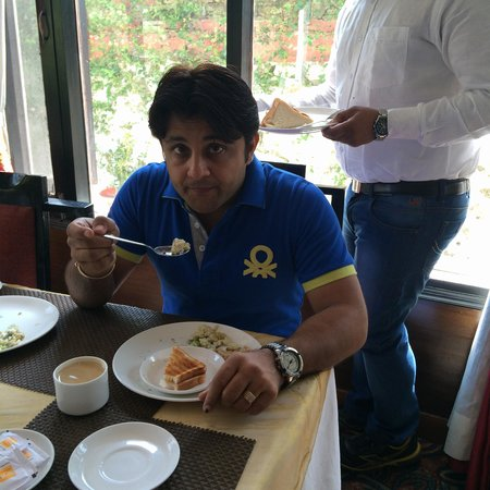 De Vivendi Resorts: Having delicious breakfast